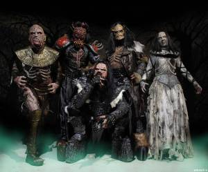 Lordi - versão mais light do visual do Gwar e sonoridade hard rock